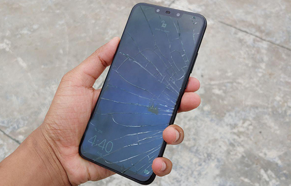 Huawei bị vỡ kính
