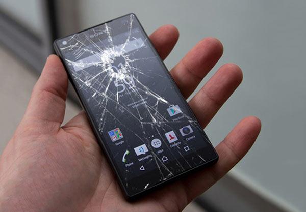Điện thoại Sony bị vỡ kính