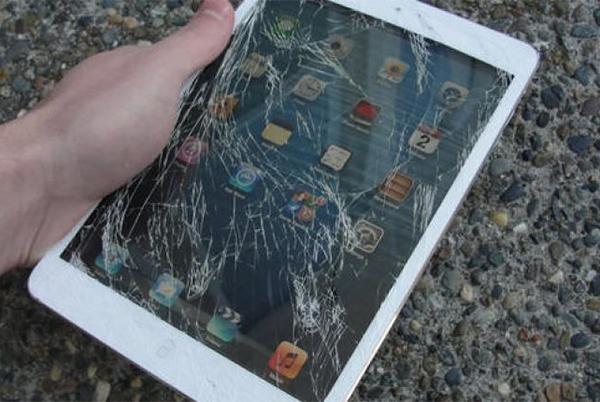 Mặt kính iPad bị vỡ