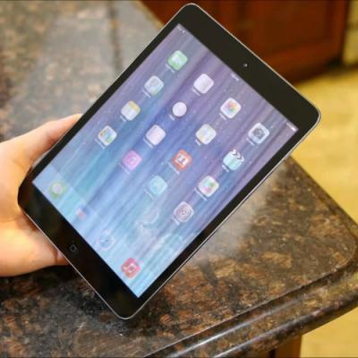 Màn hình iPad bị vỡ kính chảy mực và bị sọc