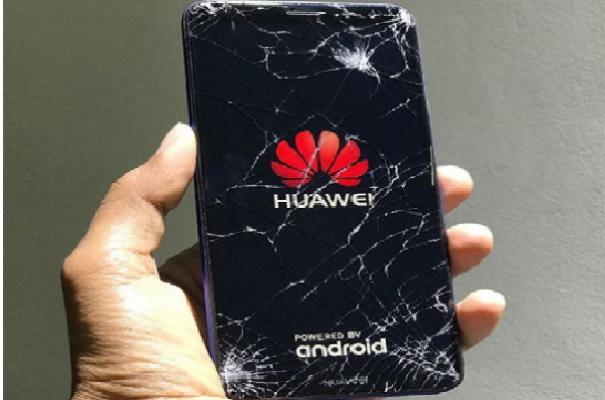 Màn hình Huawei bị vỡ kính chảy mực và bị sọc